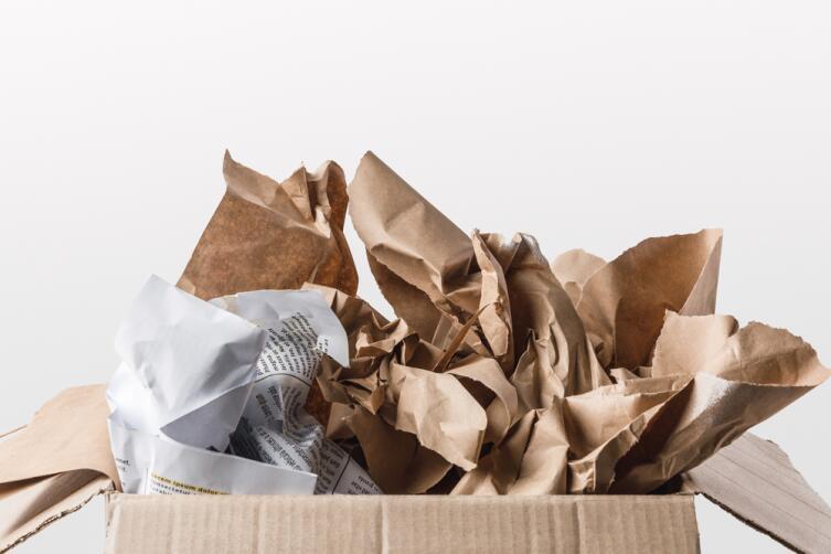 Подарите коробку с бумагой, а на дне маленький подарочек, пусть человек ищет, волнуется...